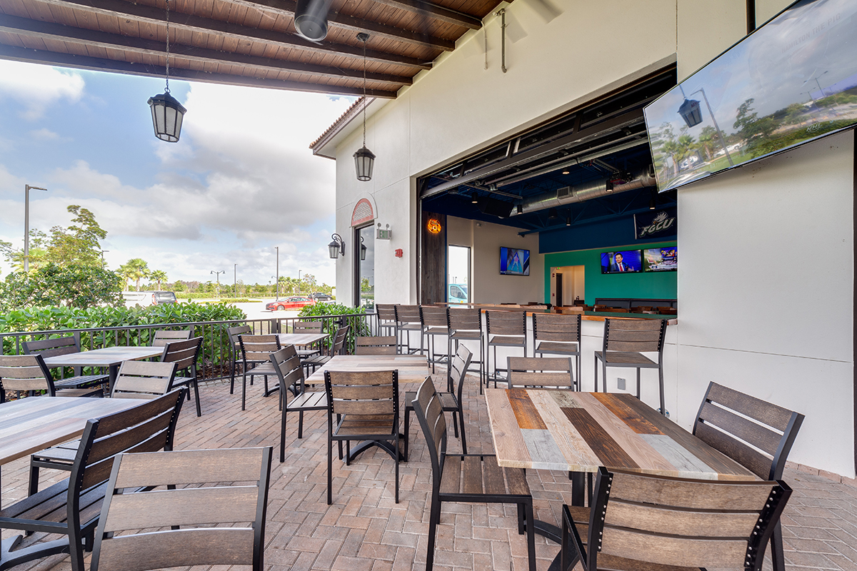 restaurant patio furniture: chairs and tables